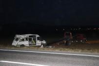 Niğde'de Tarım İşçilerini Taşıyan Minibüs Takla Attı Açıklaması 14 Yaralı