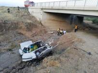 Yozgat'ta Otomobil Köprüden Düştü Açıklaması 1 Yaralı