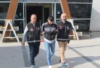 4 Aydır Aranan Suçlu, Polisin Şüphelenmesi Sonucu Yakalandı