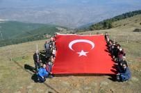 Cumhuriyet Bayramını Doğa Yürüyüşü İle Kutladılar
