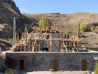 Kars'ta Mazlumağa Hamamı'nın Restorasyon Çalışmaları Sürüyor