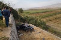 Kontrolden Çıkan Otomobil Takla Atıp Şarampole Yuvarlandı Açıklaması 2'Si Ağır, 4 Yaralı