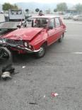 Otomobil Ve Motosiklet Çarpıştı Açıklaması 2 Yaralı