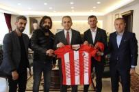 Tosyaspor'dan Kaymakam Pişkin Ve Başkan Kavaklıgil'e Forma