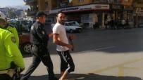 PARK YASAĞI - Trafik Polislerinin Fotoğrafını Çekti Asayiş Ekipleri Gözaltına Aldı