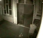 Cemaat Çıktıktan Sonra Anahtarla Açtığı Camiye Girip Çelik Kasayı Boşalttı