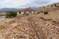 Elmalı Yakaçiftlik'in İçme Suyu Sorunu Çözülüyor