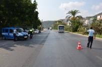 TRAFİK MÜDÜRLÜĞÜ - Ulaşım Zabıtası Alanya'da Denetimlerini Sürdürüyor