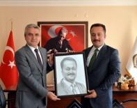 MUSTAFA GÜL - Vali Şentürk'ten M Tipi Kapalı Cezaevine Ziyaret