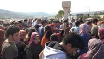 CANAN KARATAY - Festivalde 'CZN Burak' İzdihamı