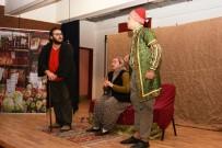 İnönü Ülkü Ocakları'ndan Yoğun İlgi Gören Tiyatro
