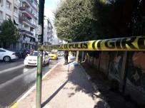 (Özel) Zeytinburnu'nda Trafik Kazası Açıklaması 1 Ölü