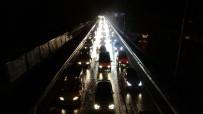 Şiddetli Yağış Sonrası Karadeniz Sahil Yolu'nda Uzun Kuyruklar Oluştu