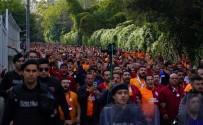 TAKSIM - Galatasaray Taraftarı Beşiktaş Park'ta