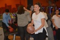 İzmit Belediyesi Çalışanları, Bowling Turnuvasıyla Stres Attı