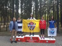 MARMARA BÖLGESI - Eyüpsultanlı Genç Atletler Gururlandırdı