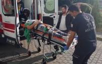 İskelede Dengesini Kaybeden İşçi Düşerek Yaralandı