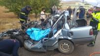 Kahramanmaraş'ta Kamyon İle Çarpışan Otomobil Hurdaya Döndü Açıklaması 1 Ölü