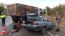 Kahramanmaraş'ta Otomobille Hafriyat Kamyonu Çarpıştı Açıklaması 1 Ölü