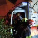 PıNARKENT - Köprünün Ayağına Çarpan Kamyonet Sürücüsü Yaralandı