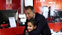 AHMET NUR ÇEBİ - Başkan Çebi'den Taraftarın Başlattığı Kampanyaya Destek