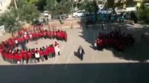 Bursa'da Öğrencilerden Ay Yıldızlı 29 Ekim Koreografisi