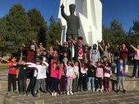 ATATÜRK EVİ - Cumhuriyet Bayramı'nı Dumlupınar'da Kutladılar