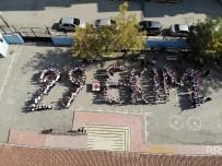 Elazığ'da 200 Öğrenciden '29 Ekim' Koreografisi