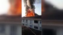 Esenyurt'ta Çatı Yangını