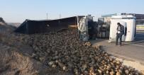 Tır Devrildi, Dorsedeki Ürünler Su Kanalına Saçıldı Açıklaması 1 Yaralı