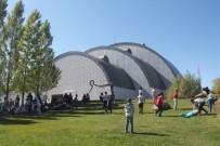 BAYBURT ÜNİVERSİTESİ REKTÖRÜ - Baksı Müzesi'nde Öğrenci Şenliği