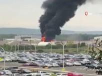 CONNECTICUT - Bombardıman Uçağı Düştü Açıklaması 7 Ölü, 6 Yaralı