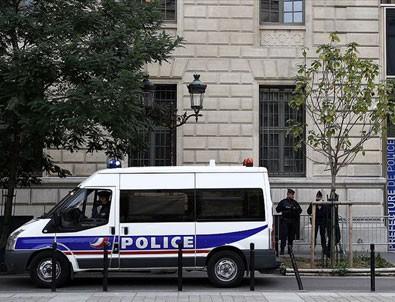 Paris Emniyet Müdürlüğü'nde bıçaklı saldırı: 4 ölü