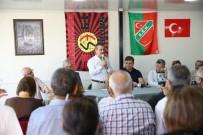 Tepebaşı Belediye Başkanı Ahmet Ataç'tan Karşıyaka'ya Ziyaret