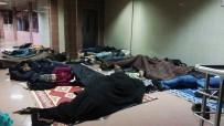 33 Düzensiz Göçmen Otogarda Bırakıldı
