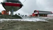 Cıbıltepe Kayak Merkezi'ne Mevsimin İlk Karı Yağdı