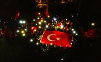 Cumhuriyet Bayramı'nda Köylerine 5 Metrelik Bayrak Astılar