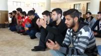 Elazığ'da Üniversite Öğrencileri Şehitler İçin Mevlit Okuttu
