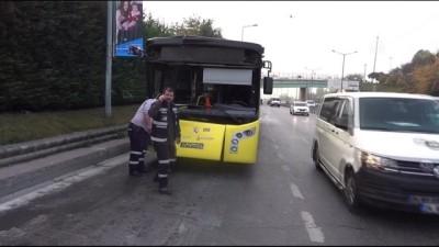 Kağıthane'de Otobüs Kamyonete Çarptı Açıklaması 1 Yaralı