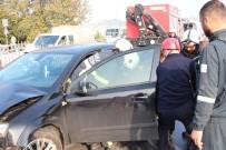 Kaza Yapan Aracın Kopardığı Bariyer Kazaya Neden Oldu