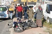 Otomobil İle Çarpışan Motosiklet Sürücüsü Yaralandı