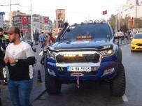 TAKSIM - (Özel) Taksim'de Çakar Kullanan Lüks Cip Sürücüsüne Ceza