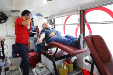 Afyonkarahisar'da Kan Bağışına Yoğun İlgi
