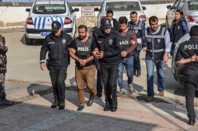 Dernek Başkanı Ve Muhtarın Ölümüyle İlgili Bir Kişi Tutuklandı