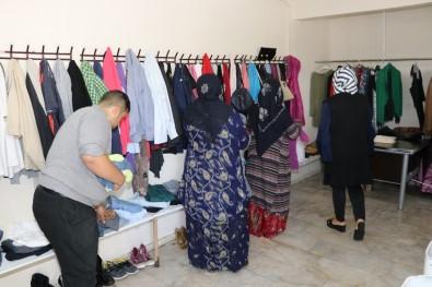 Karaköprü'de İhtiyaç Sahiplerine Kıyafet Yardımı