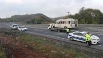 KANDILLI - Madencileri Taşıyan İşçi Servisi Kaza Yaptı Açıklaması 14 Yaralı