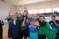 Öğretmenler Futsalda Kapıştı