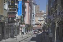 MİLLET CADDESİ - Tehlike Arz Eden Ve Görüntü Kirliliğine Neden Olan Tabelalar Kaldırılıyor