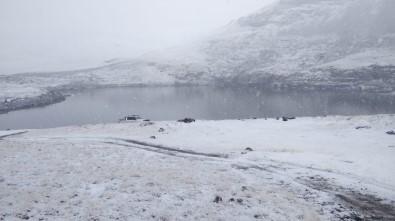 Trabzon Ve Gümüşhane'nin Yüksek Kesimlerde Kar Yağışı Etkili Oluyor