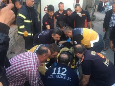 Uşak'ta İşçileri Taşıyan Servis Aracı Devrildi Açıklaması 1 Ölü, 14 Yaralı